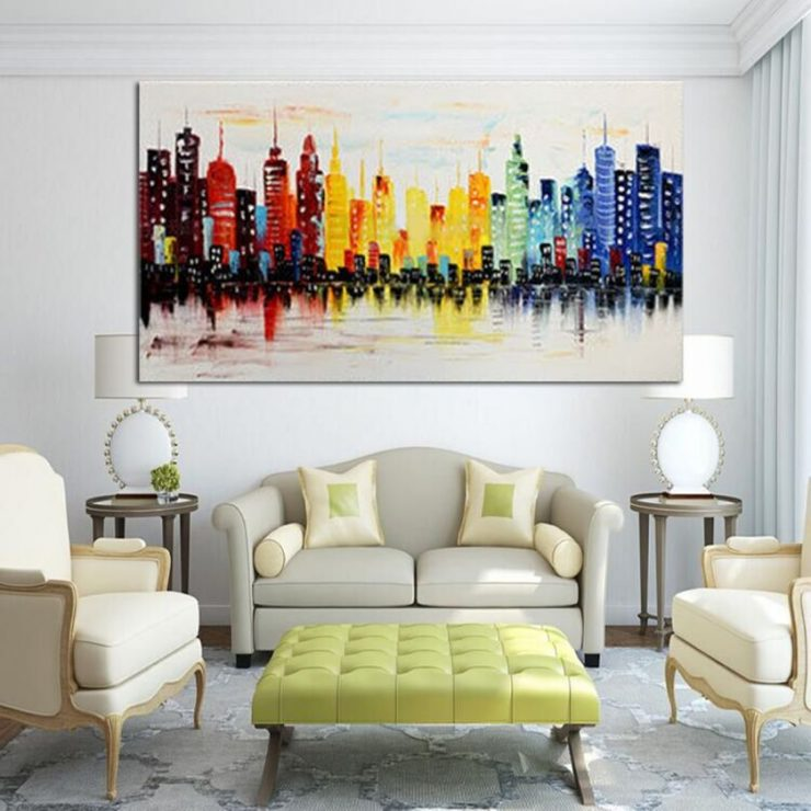 Постеры на стене дома