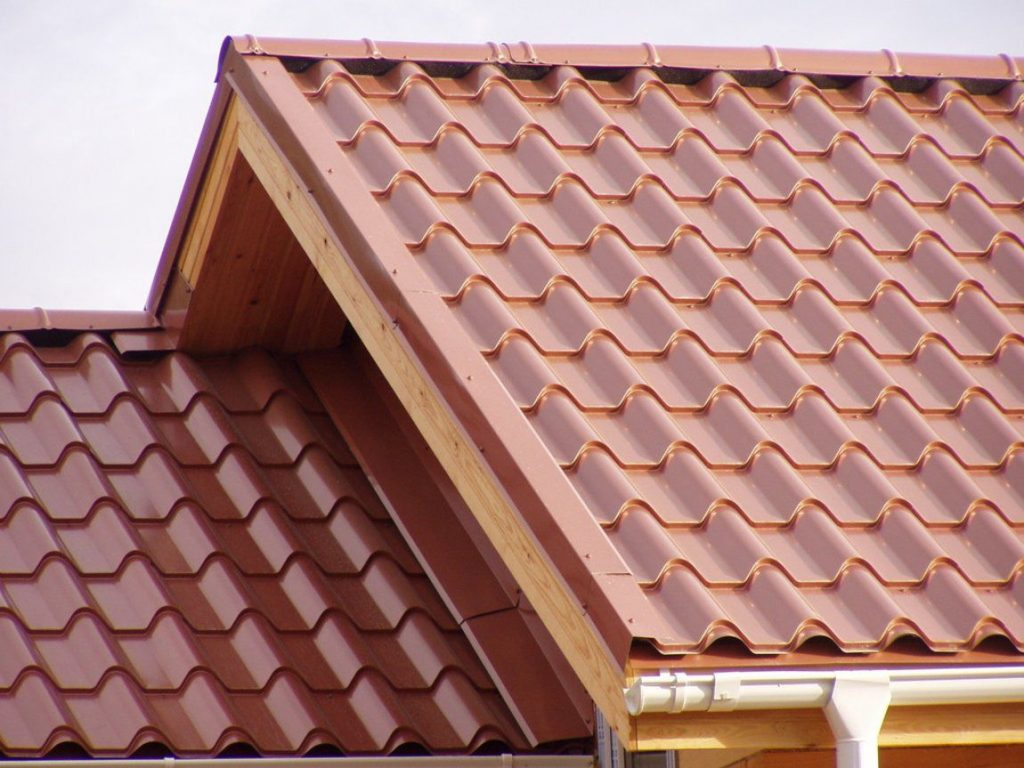 Крыша из металлочерепицы картинки