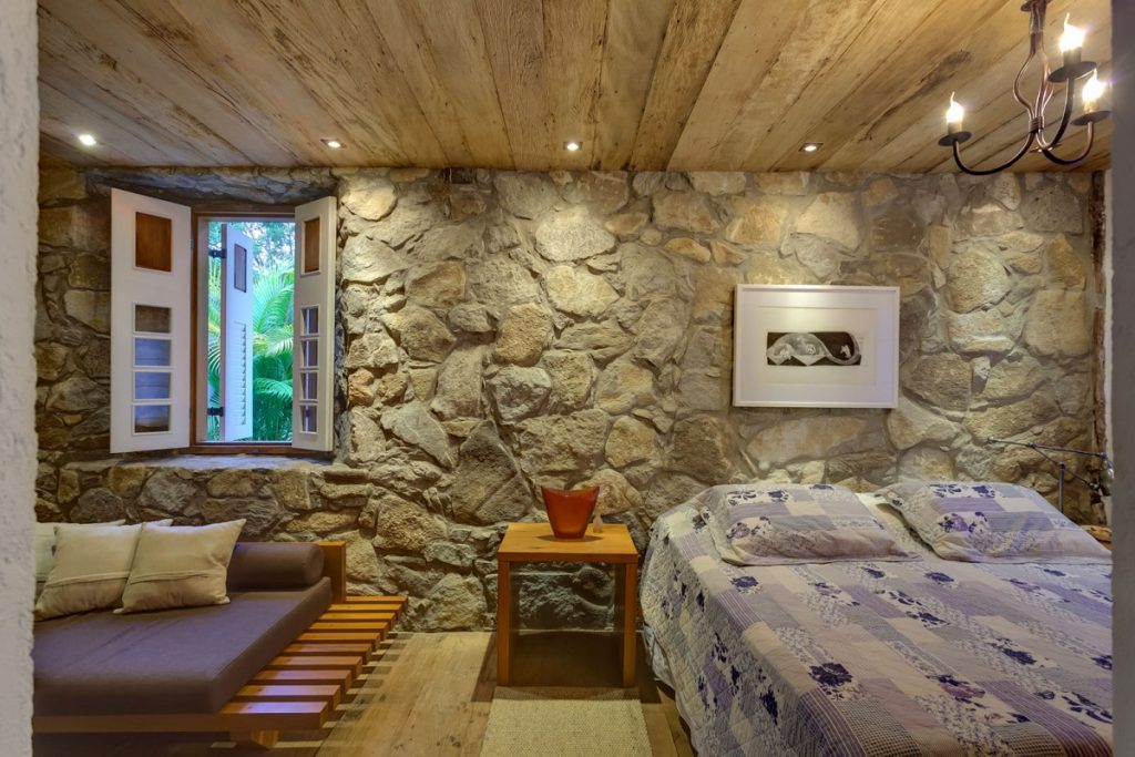 фото дизайн комнаты с диким камнем были восстания